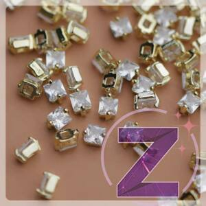 zodiac körömékszer arany négyzet cirkónia kővel