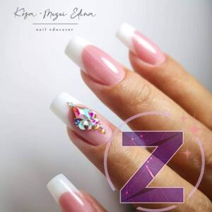 Edina Kósa-Mezei Nails