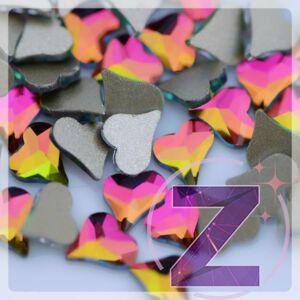 strassz formakő körömdísz szív alakban rainbow színben