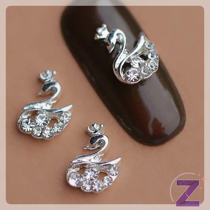 zodiac körömékszer ezüst színű strasszköves hattyú