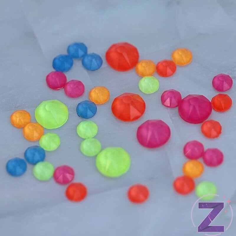 zodiac strasszkő vegyes neon mix