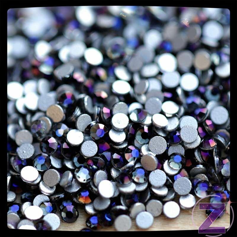 zodiac strasszkő violet black színben