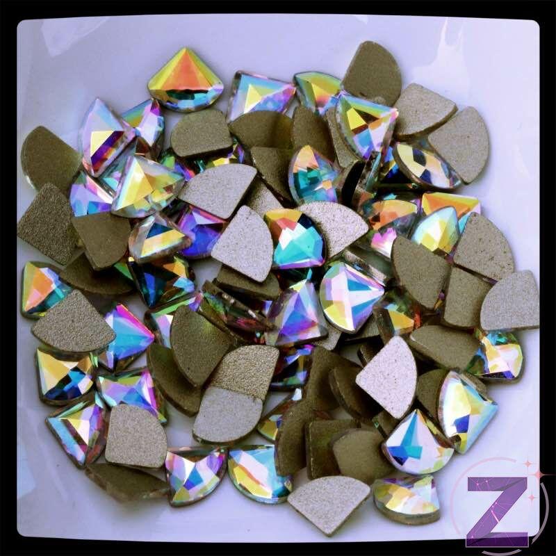 strassz formakő gyémántforma színjátszó színben