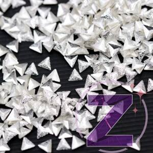 szegecs körömdísz csillámos ezüst háromszög