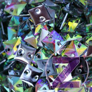 varrható ruhadísz négyzet formában színjátszó színben