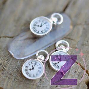 körömdekoráció ezüst színű óra
