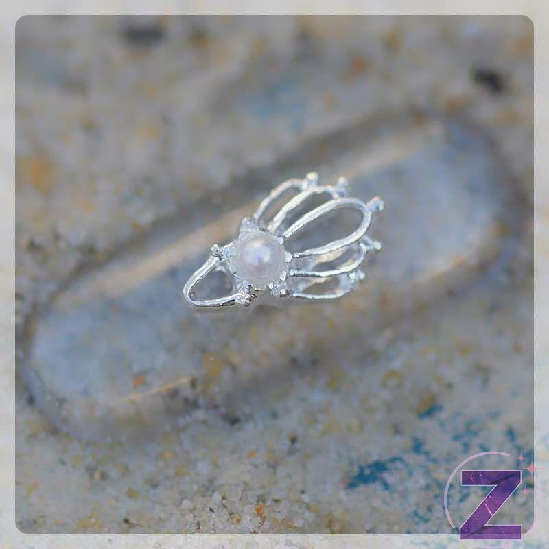körömdekoráció tengeri kagyló formában ezüst színben