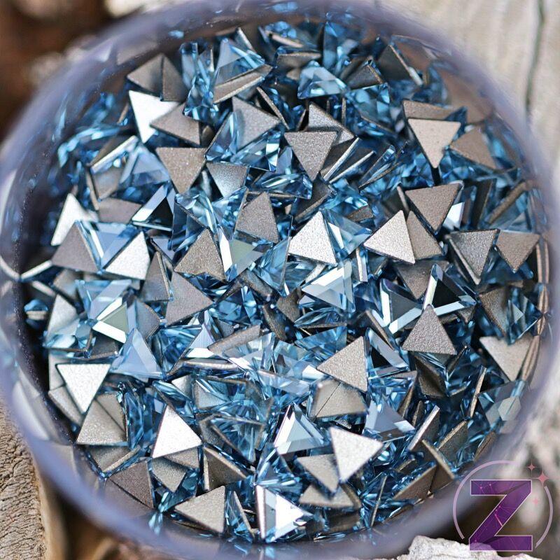 Swarovski formakő Triangle Aquamarine háromszög