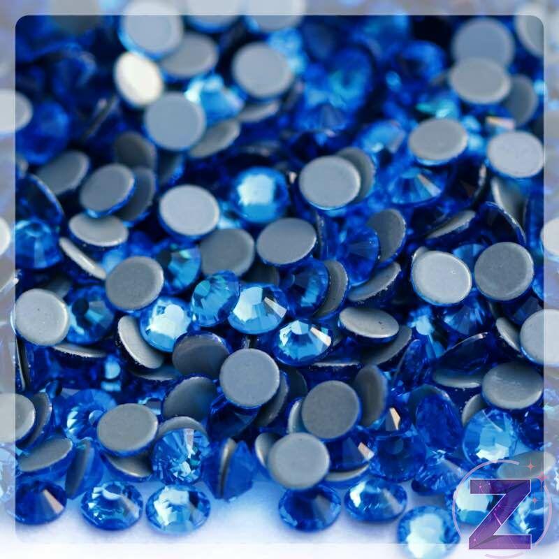 vasalható strasszkő ss20 méretben capri blue színben